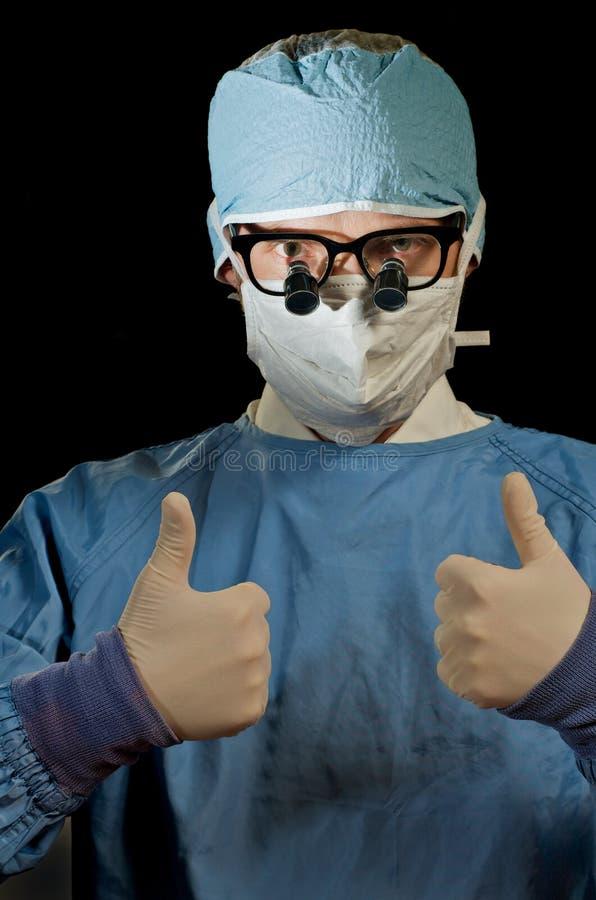 большие пальцы руки доктора вверх стоковая фотография rf