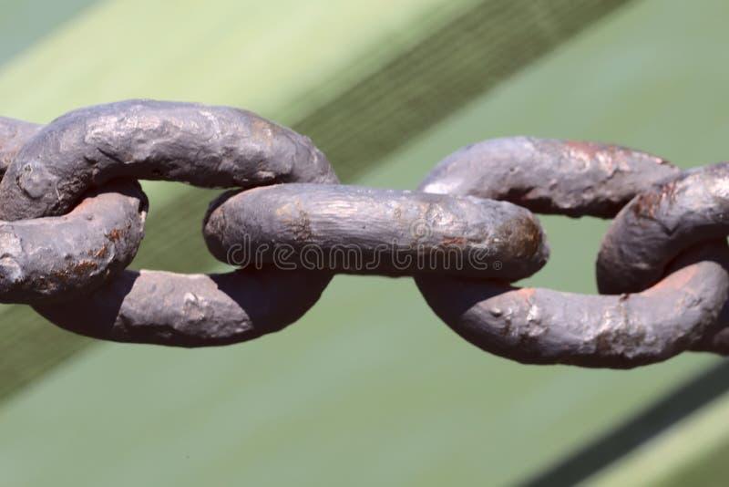 Большие связи старой цепи металла Текстура предпосылки старого металла стоковая фотография