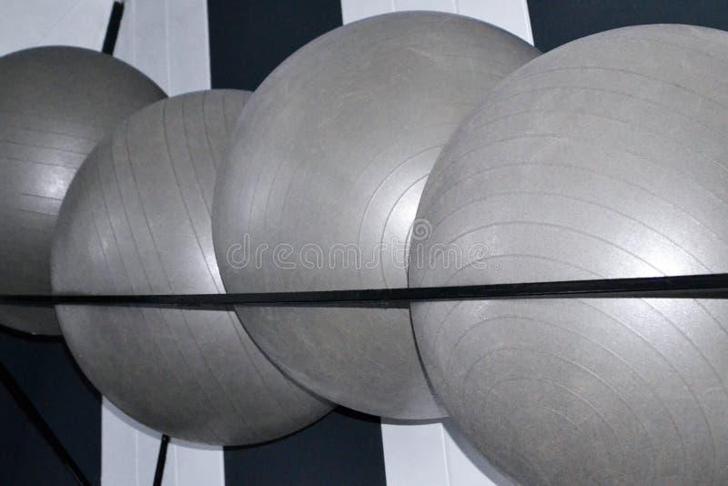 Большие серые шарики для спорт стоковые изображения rf