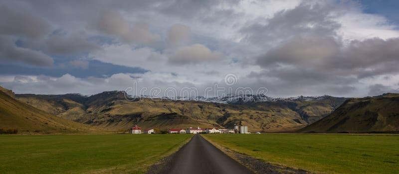 Большое ранчо сельского хозяйства в Исландии стоковое изображение rf