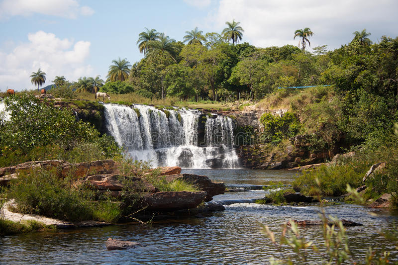 большое cipo делает водопад serra стоковая фотография