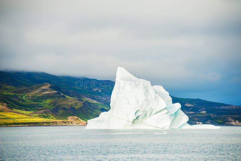 Большой айсберг плавая около острова диско, Гренландии стоковые изображения