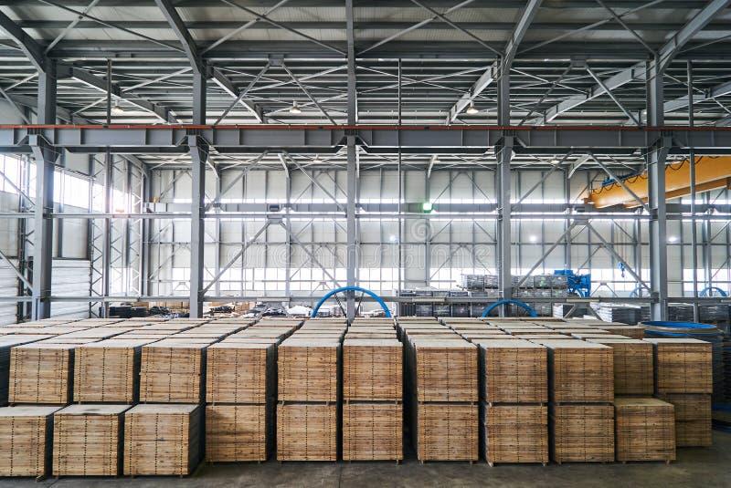 Большой ангар склада фабрики стоковые фото