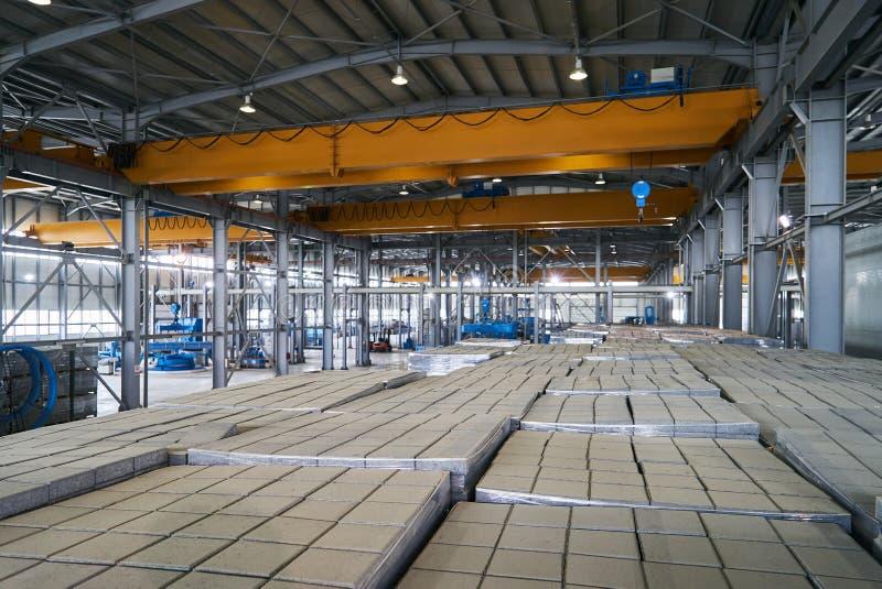 Большой ангар склада фабрики стоковые изображения rf