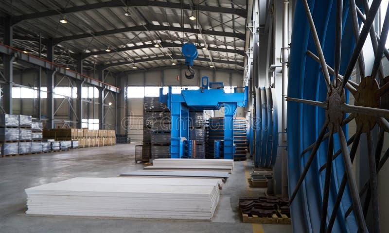 Большой ангар склада фабрики стоковое фото