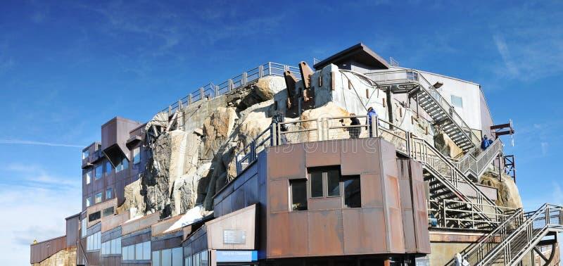 Большой взгляд платформы Aiguille du Midi горы основной стоковое изображение