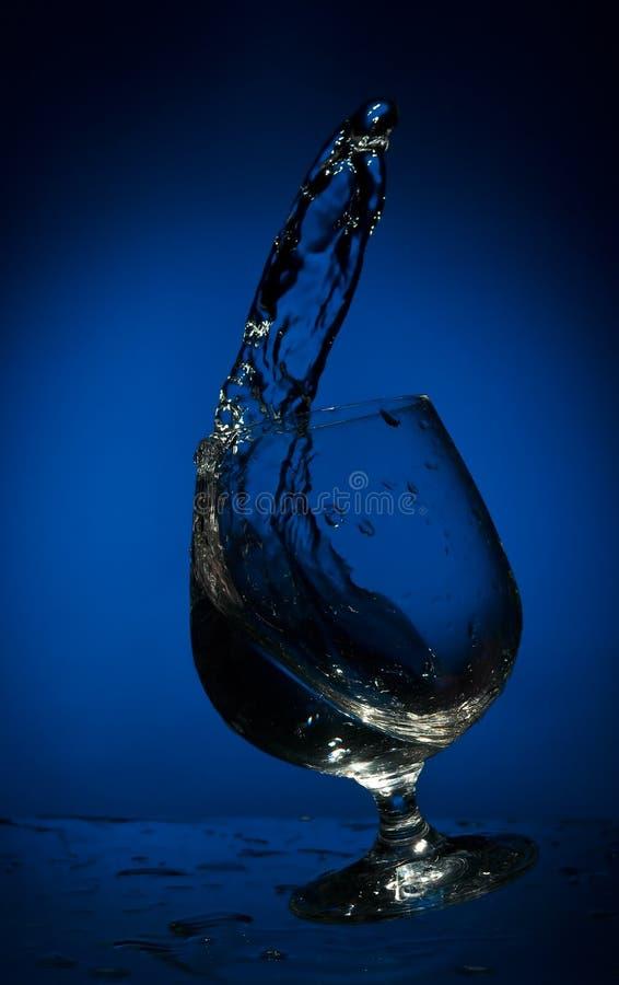 большой жидкий стеклянный выплеск стоковое изображение rf