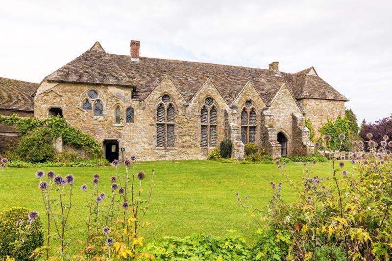 Большой зал, замок Stokesay, Шропшир, Англия стоковые изображения