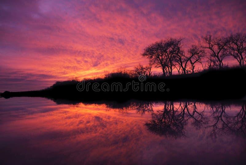 большой заход солнца реки rio стоковые фотографии rf