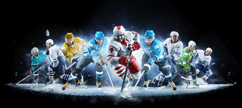 Большой коллаж хоккея на льде с профессиональными игроками на черной предпосылке стоковая фотография