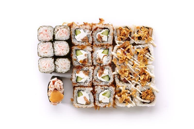 Большой комплект различных суш Maki или взгляд сверху Norimaki Rolles стоковое изображение