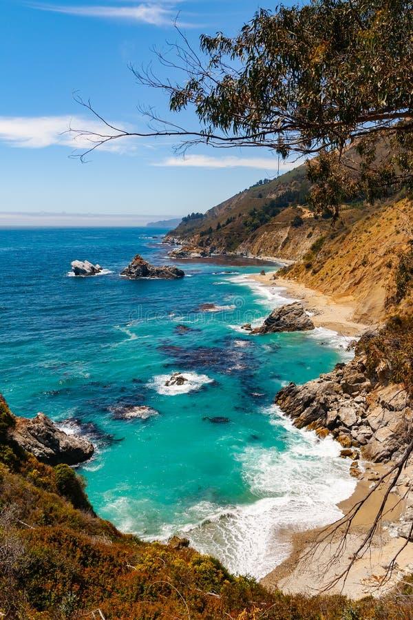 Большой пейзаж Тихоокеанского побережья Sur, Калифорния, США стоковое фото rf