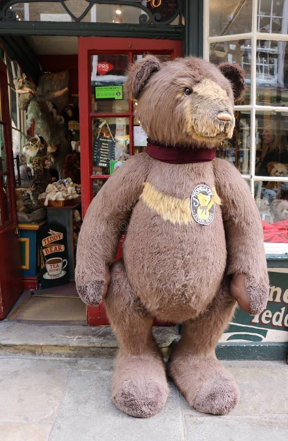 Большой плюшевый медвежонок стоковое фото