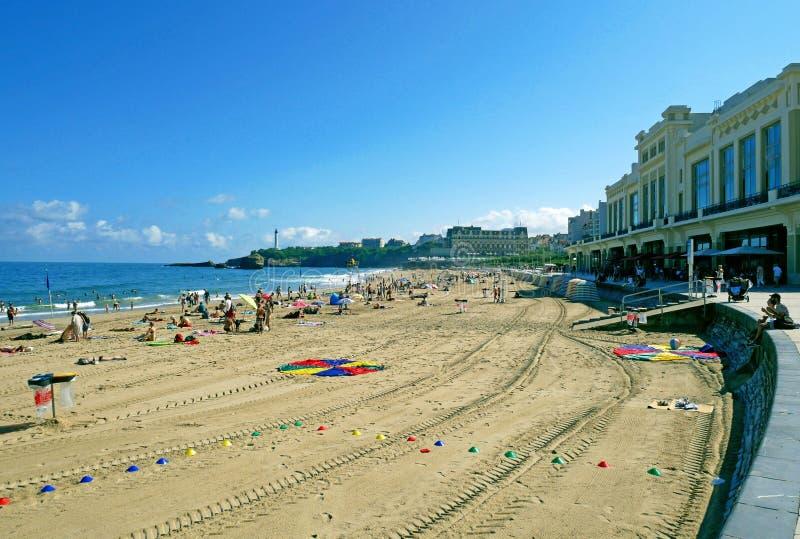Большой пляж Plage в Биаррице, Франции стоковая фотография