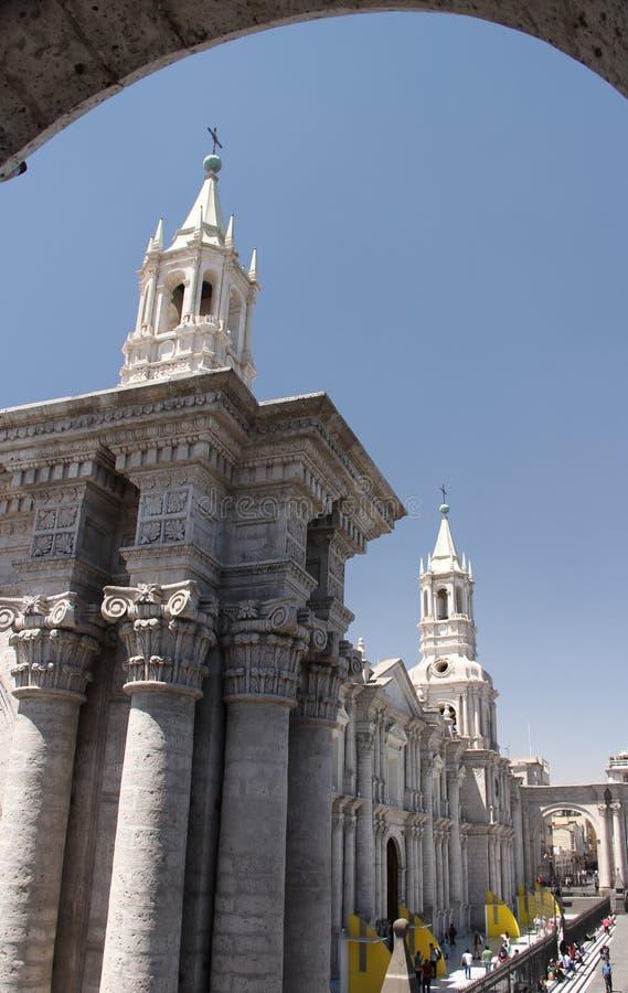 Большой собор на главной площади стоковое изображение