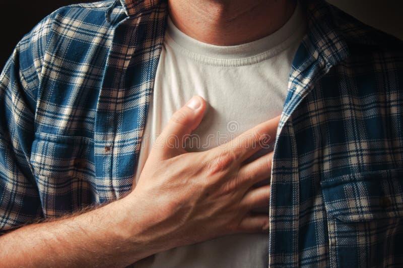 боль в груди стоковое изображение rf