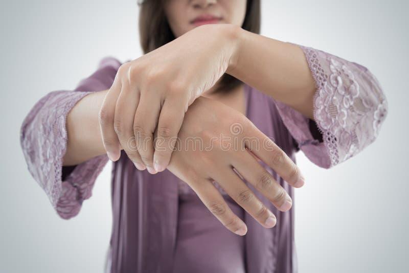 Боль в запястье руки стоковая фотография rf