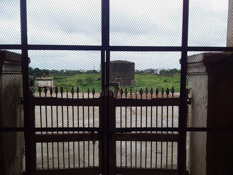 Бортовые ворота мечети стоковое фото rf