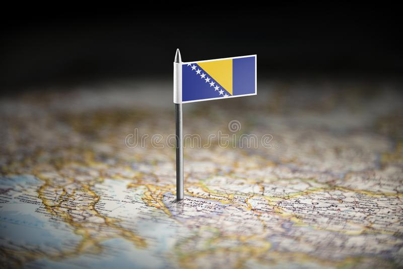 Босния и Герцеговина отметила с флагом на карте стоковые фотографии rf