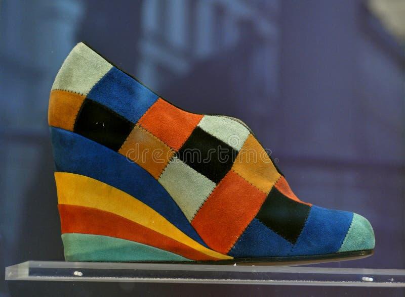 Ботинки итальянки высокого способа стоковые фотографии rf
