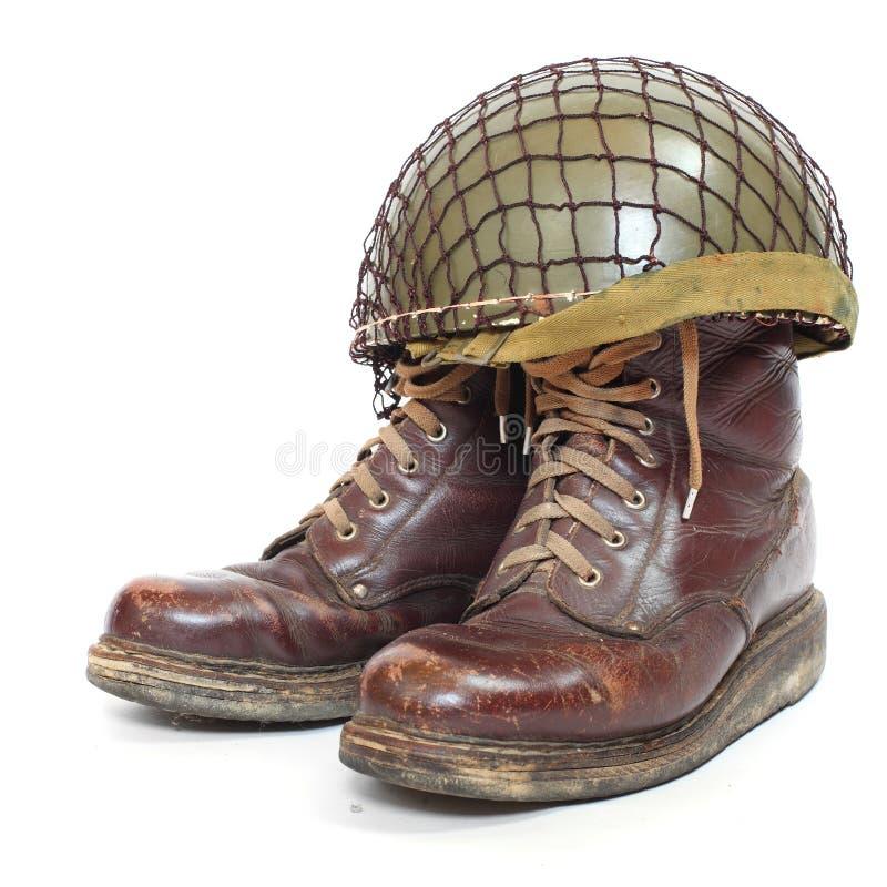 Ботинки и шлем парашютистов стоковые изображения