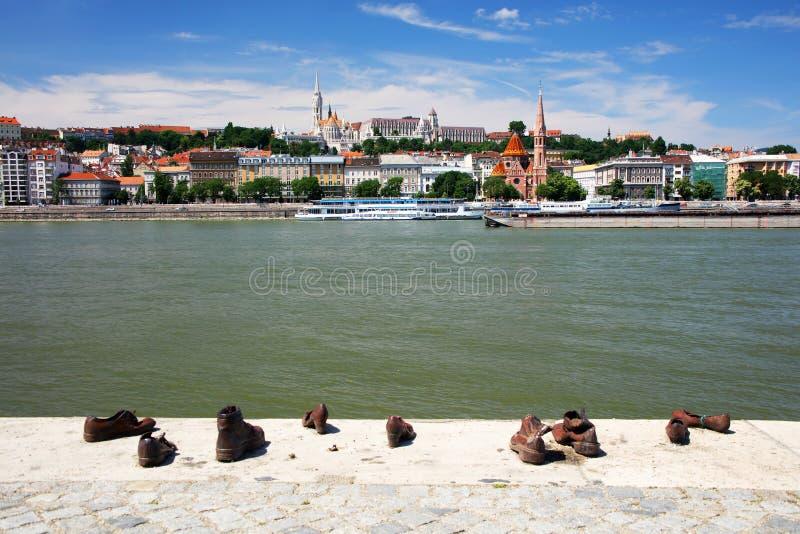 Ботинки на банке Дуная мемориал в Будапеште, на восточном банке Дуная стоковое фото rf