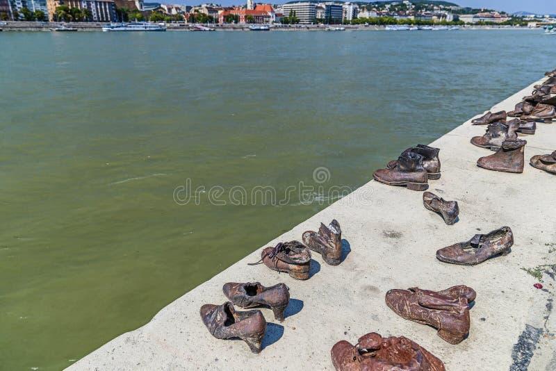 Ботинки на променад Дуна стоковые изображения rf