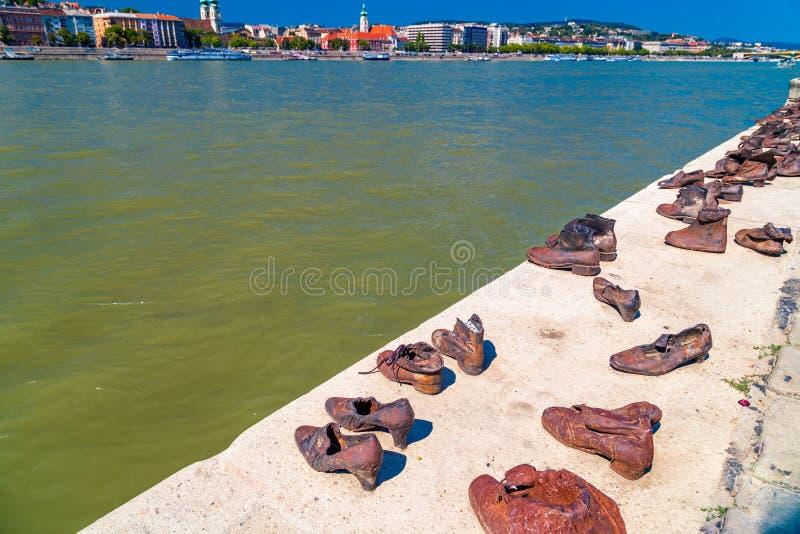 Ботинки на променад Дуна стоковые фотографии rf