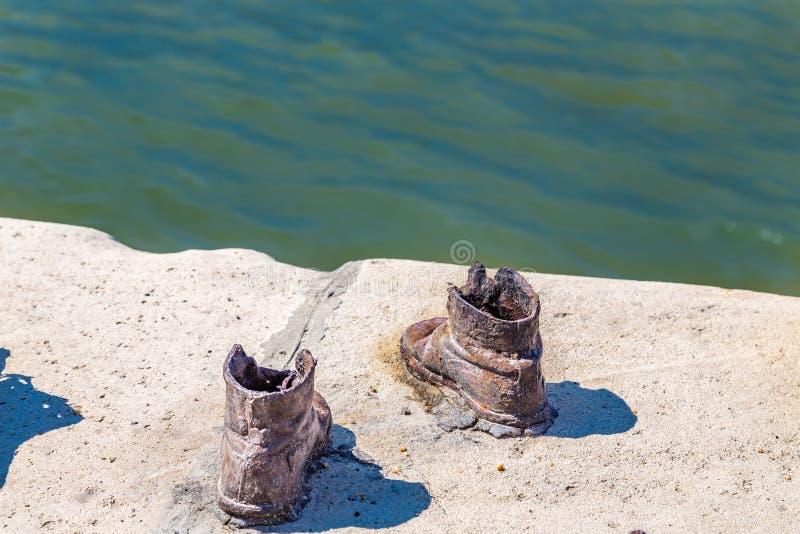 Ботинки на променад Дуна стоковое фото