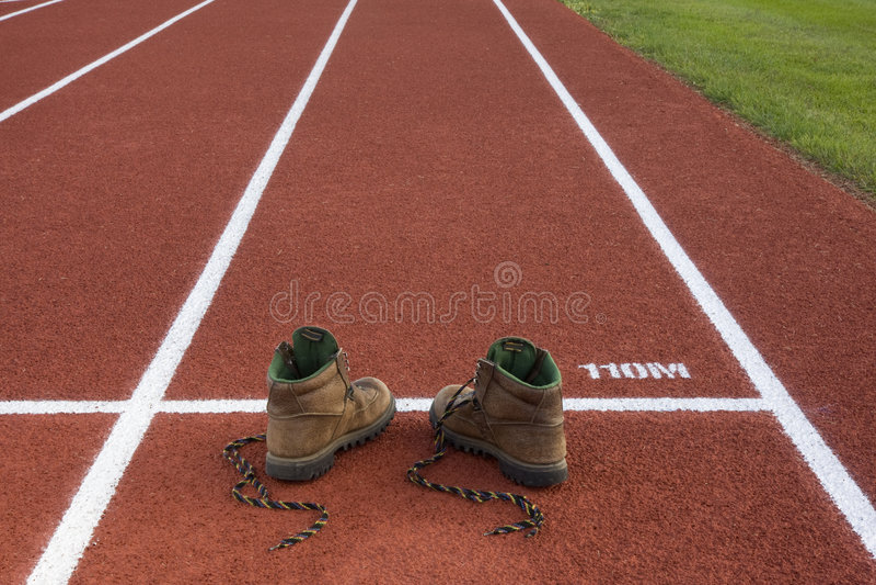 ботинки неправильно стоковые изображения rf