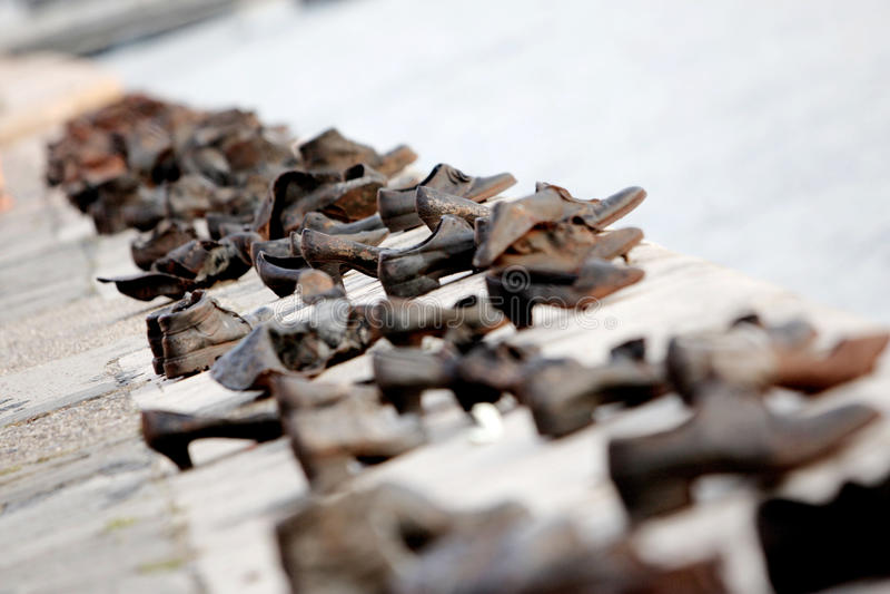 ботинки памятника budapest стоковые фотографии rf