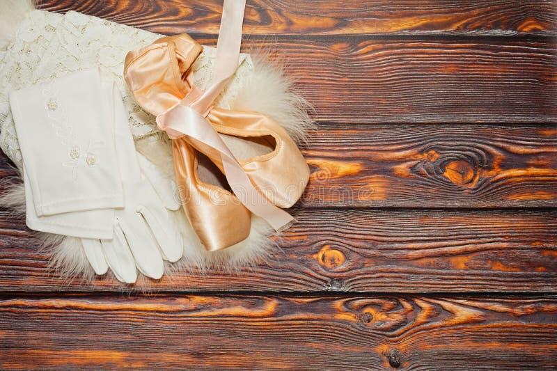 Ботинки, перчатки и юбка балета стоковая фотография rf