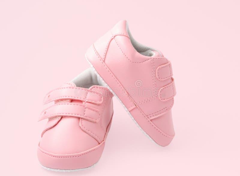 ботинки пинка младенца стоковые фотографии rf