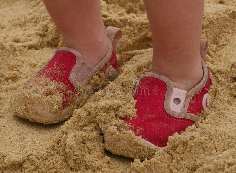ботинки пляжа маленькие стоковое фото