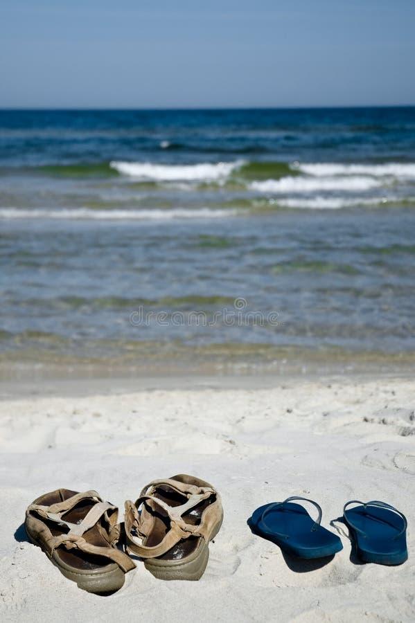 ботинки пляжа стоковая фотография