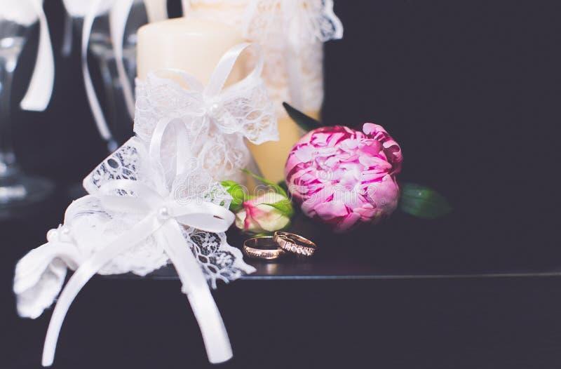 Ботинки любовников обручальных колец bridal стоковое фото
