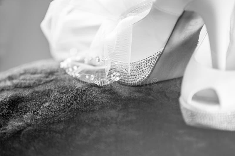 Download ботинки wedding белизна стоковое фото. изображение насчитывающей вскользь - 41662176