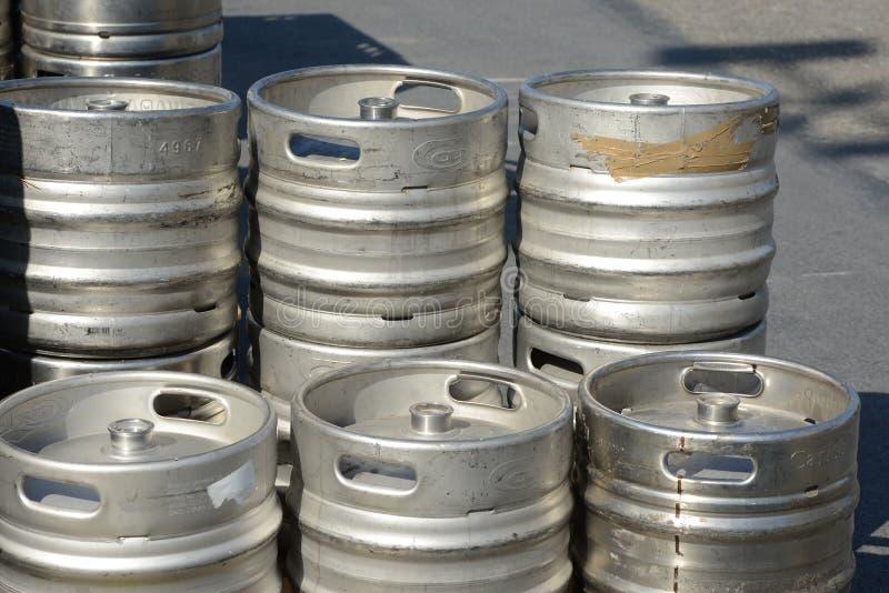 Бочонки бочонков пива стоковая фотография