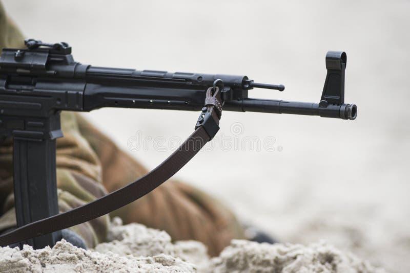 Бочонок пулемета от WWII во время реконструкции сражения стоковые изображения rf