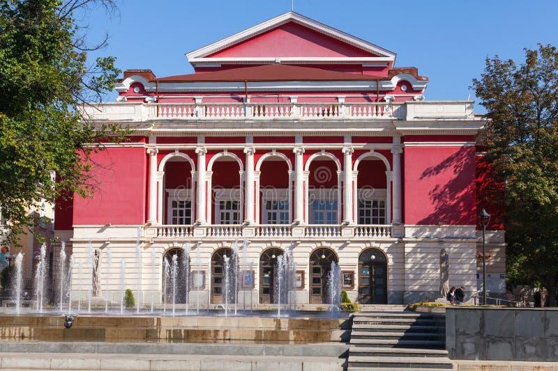 Болгарский национальный оперный театр в уловке стоковые изображения