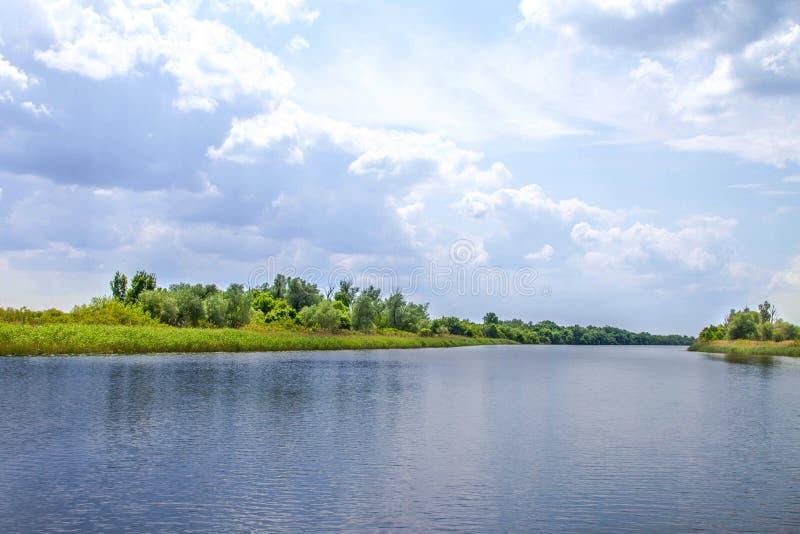 Болота и Kherson Dnieper реки ландшафта стоковые изображения rf