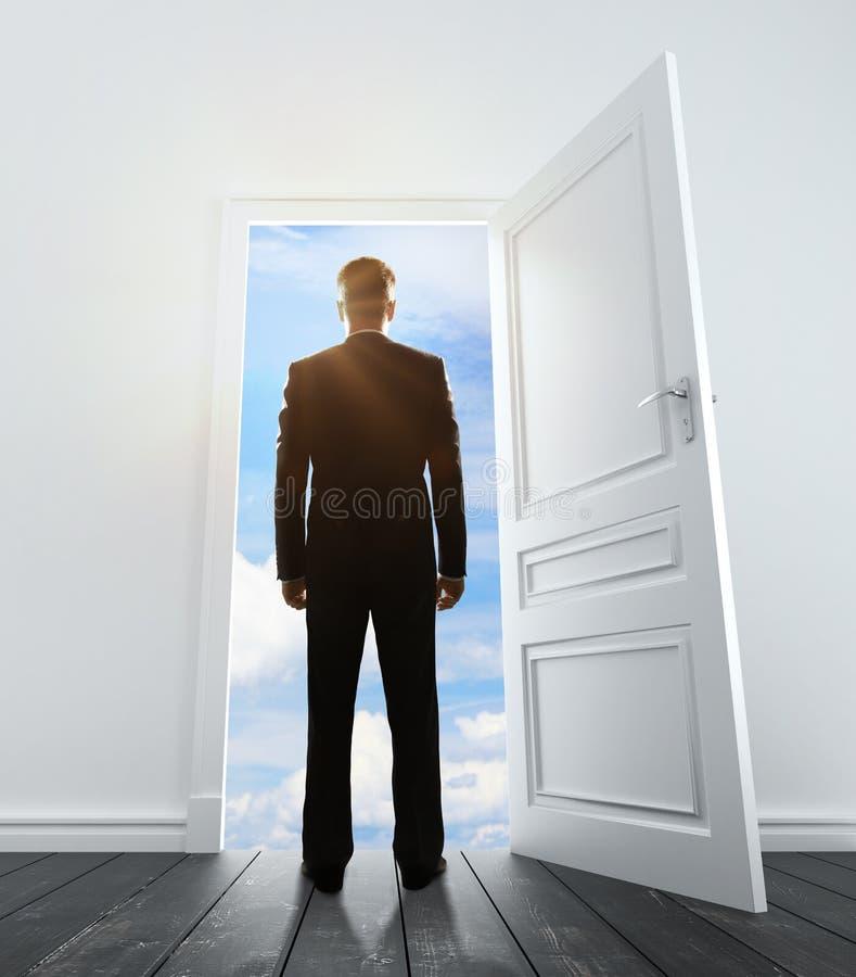 Большая дверь к небу стоковое изображение