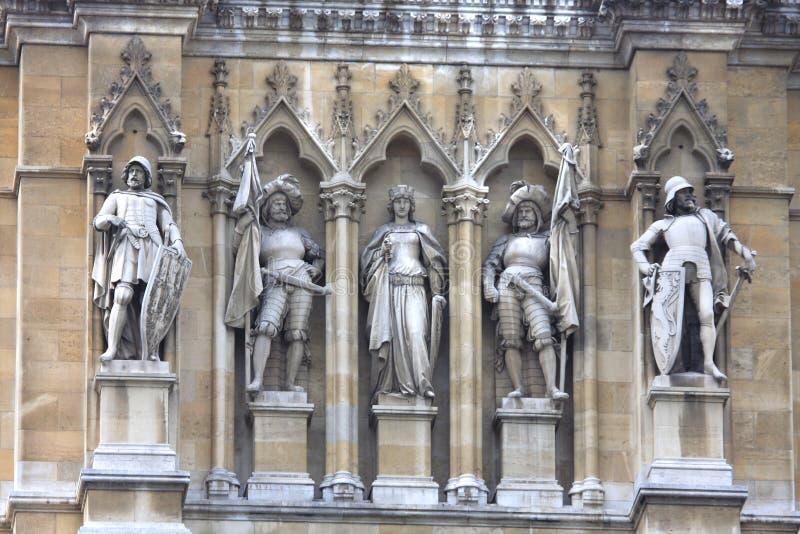Большая деталь статуй на вене Rathaus (ратуши) стоковые изображения