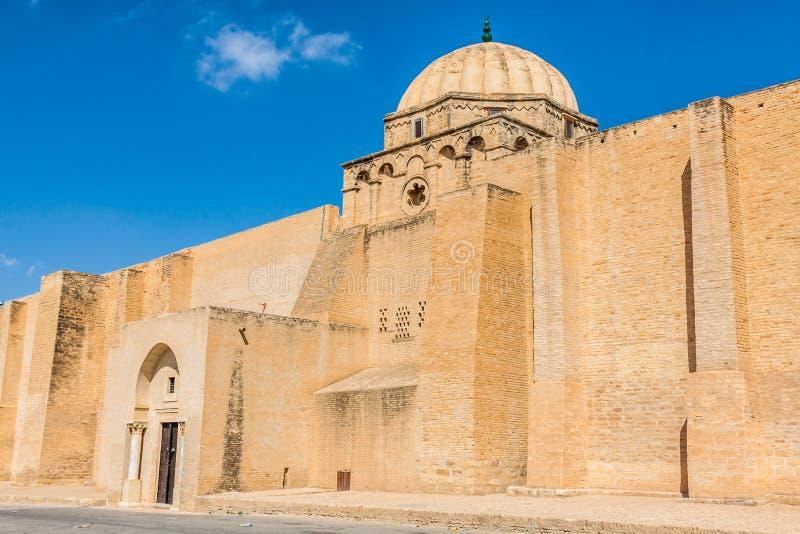 Большая мечеть Kairouan в Тунисе стоковые фотографии rf