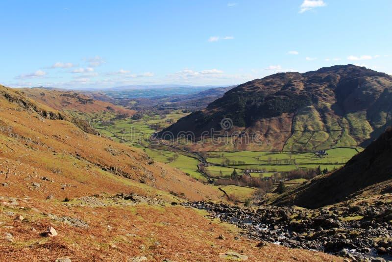 Большая долина Langdale от Stickle Ghyll, Cumbria стоковое фото