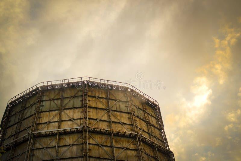 Большая печная труба фабрики шифера стоковая фотография rf