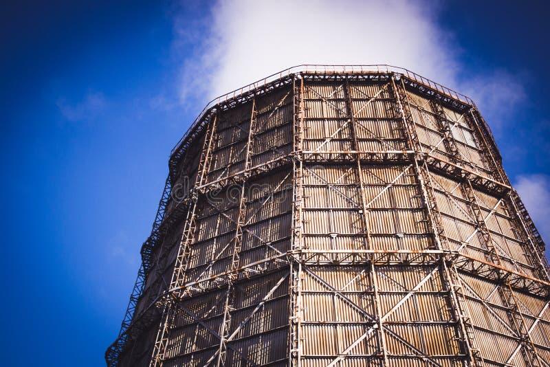 Большая печная труба фабрики шифера стоковое фото rf