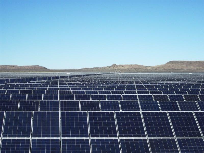 Большая солнечная ферма стоковые изображения