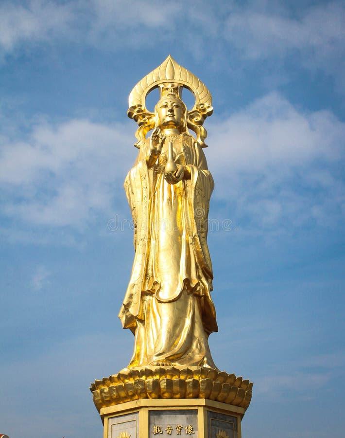 Большая статуя Guan Yin на холме лотоса Lianhuashan, Гуанчжоу, Китае стоковая фотография