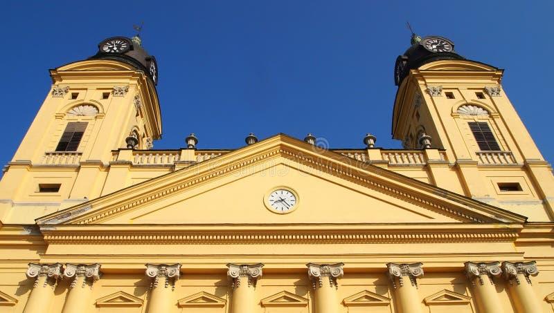 Download Большая церковь стоковое изображение. изображение насчитывающей европа - 33725953